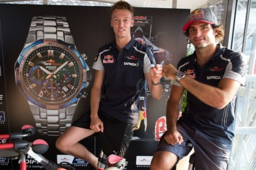 The drivers Daniil Kvyat and Carlos Sainz of Scuderia Toro Rosso (Bild: © Casio)